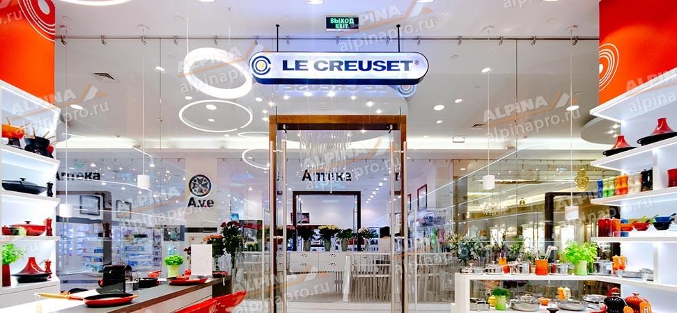 Строительство стеклянной витрины для магазина Le Creuset в ТЦ Времена Года